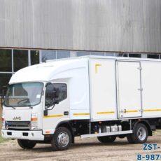 Промтоварный фургон JAC N80 c закабинным спальником